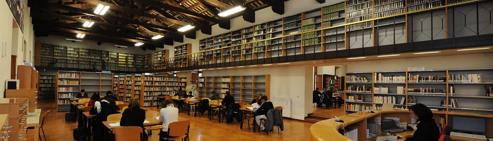 la Biblioteca Comunale Paroniana